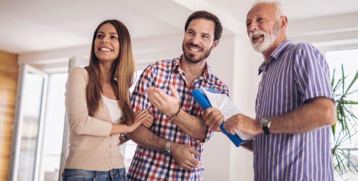 Comprar imóvel com corretor — confira aqui a lista de documentos, as taxas e outros detalhes