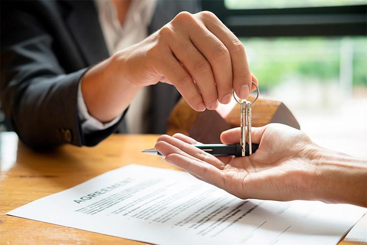 Quais as vantagens e desvantagens do financiamento direto com a construtora?